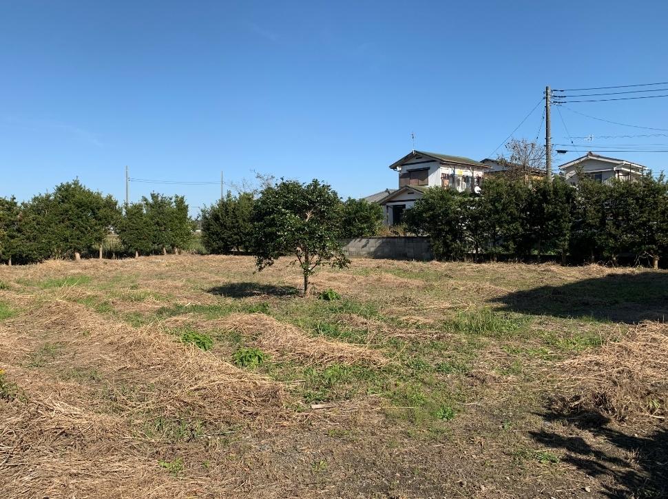 本納駅より徒歩約7分の立地!閑静な住環境で家庭菜園も楽しめます♪
